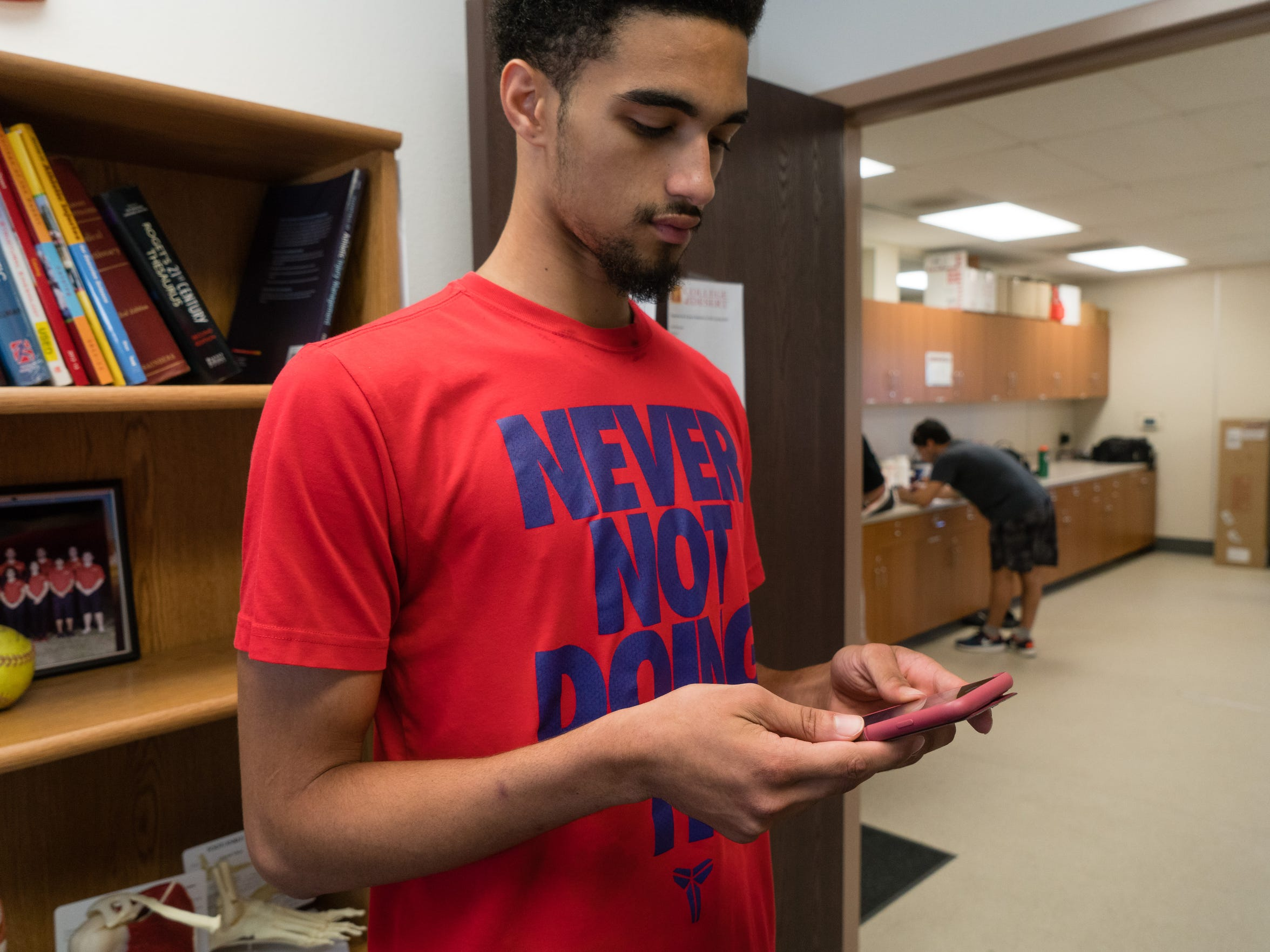 Philippe Salawa, a red-shirt freshman at College of