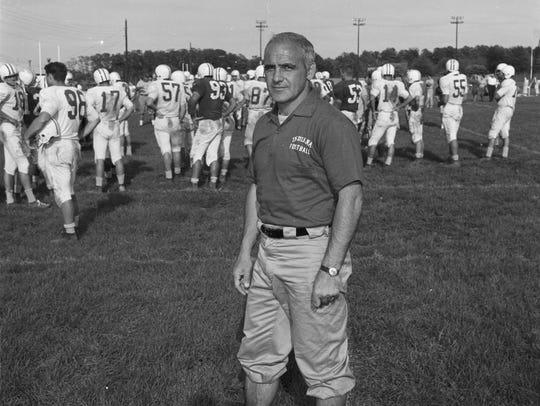 IU coach John Pont.