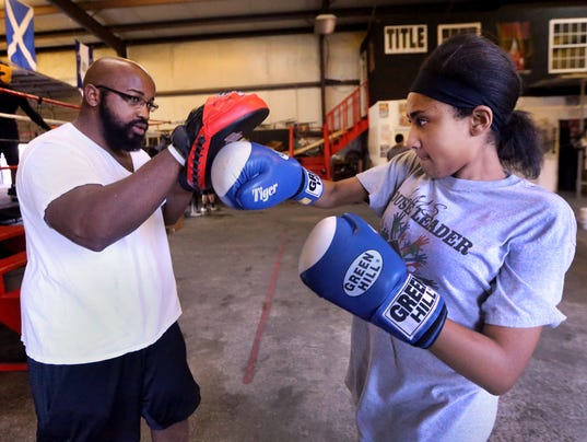 636265697102097439-006-Youth-boxing.JPG