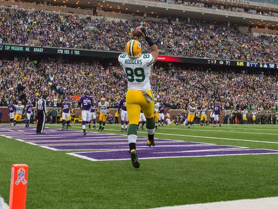 Green Bay Packers tight end Richard Rodgers (89) catches
