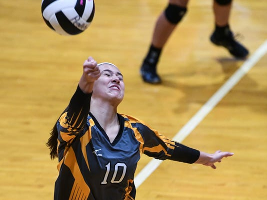 Crescent at Pendleton volleyball
