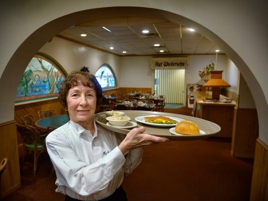 635902134789521984-0210-DL-Veteran-Waitress-1.jpg
