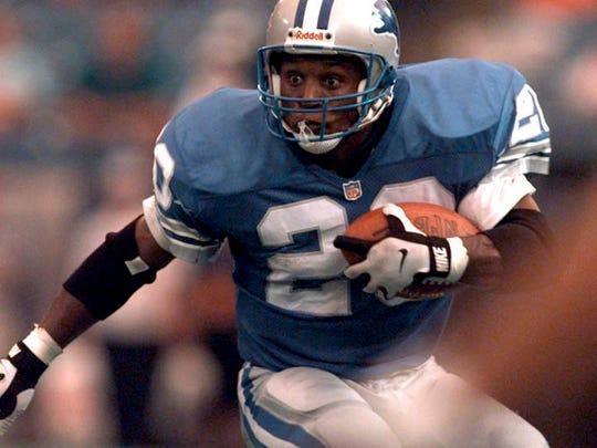 Detroit Lions running back Barry Sanders keeps his eyes wide open as he looks for running room against Tampa Bay during Sunday afternoon's game at The Silverdome. The Lions were beaten by the visiting Tampa Bay Buccaneers 24-17.