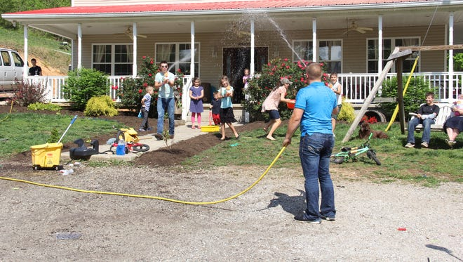 """The Bates family of Rocky Top practices for an upcoming car wash on Thursday night's episode of """"Bringing Up Bates."""""""