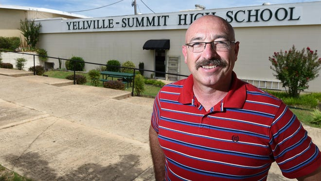 Wes Henderson is the new superintendent of Yellville-Summit Public Schools. Henderson worked previously for the Mountain Home School District.