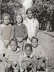 Unknown children on East Beverley Street in the 1930s.