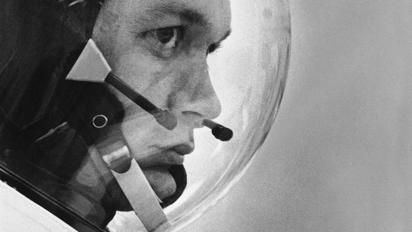 Michael Collins dies at 90