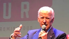Biden heckled by twitter troll at Wilmington book tour stop