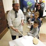 El Paso children learn secret to perfect Matzah for passover, Jewish spring festival