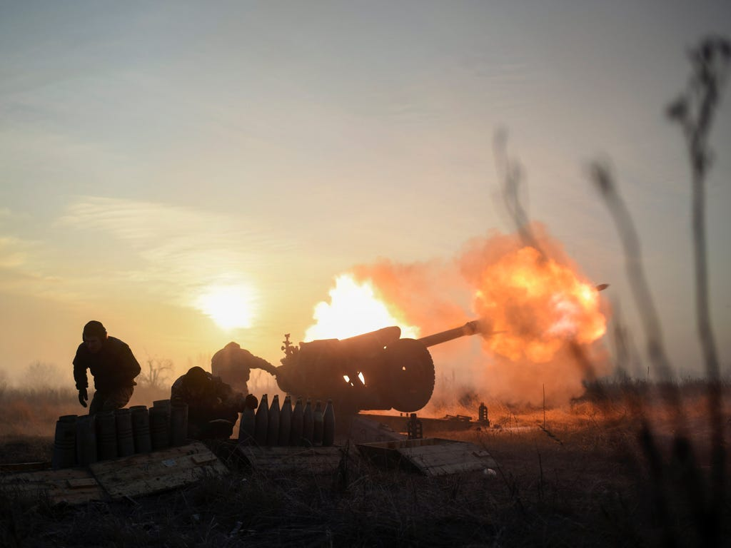 Ukrainian servicemen fire a towed howitzer close to a frontline near Donetsk, Ukraine on Jan. 11, 2018. Pro-Russian rebels attacked Ukrainian army positions in Donbas seven times in the past 24 hours, with three Ukrainian soldiers killed in action an