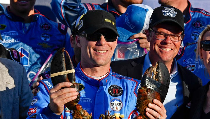 Kevin Harvick wins at New Hampshire, clinches spot in Chase second round