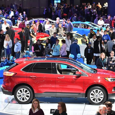 Crowds at the North American International Auto Show