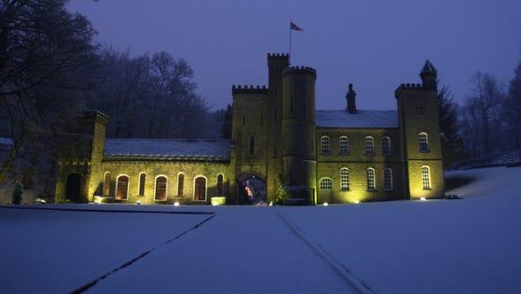 Winterfell Stark Castle Night