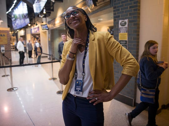 Tamika Catchings earns another tribute: College basketball's top freshman women's player award to be named for her.