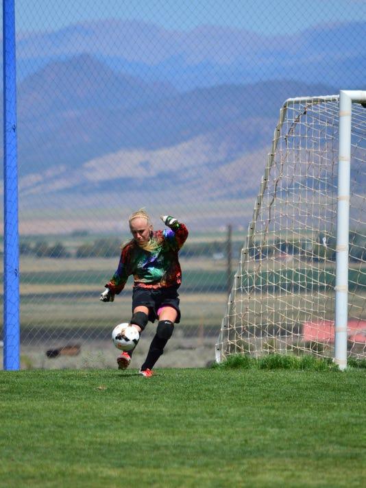 STG0909 dvt VVHS girls soccer 11.jpg
