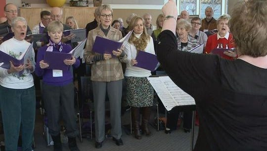 People with Alzheimer's and dementia sing  their favorite tunes.