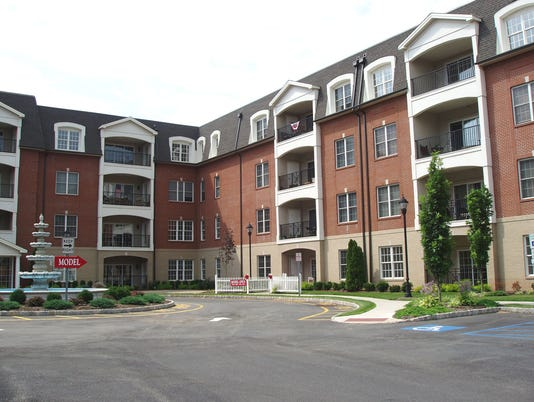 -Regency-Pl-Woodbridge-july.JPG