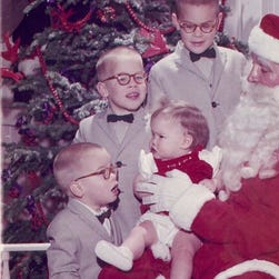 Family poses with Santa for 60 years in a row