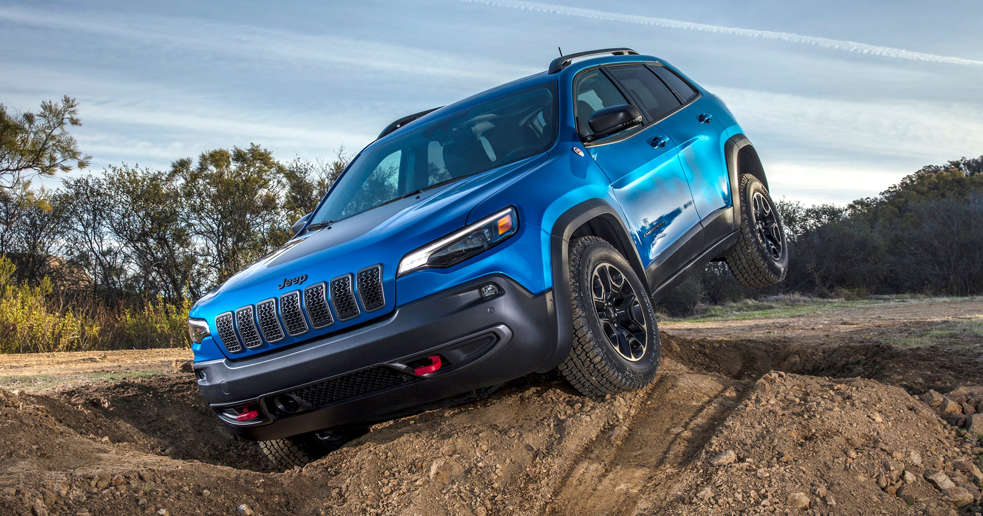 2019 Jeep Cherokee powers ahead with new engine, looks
