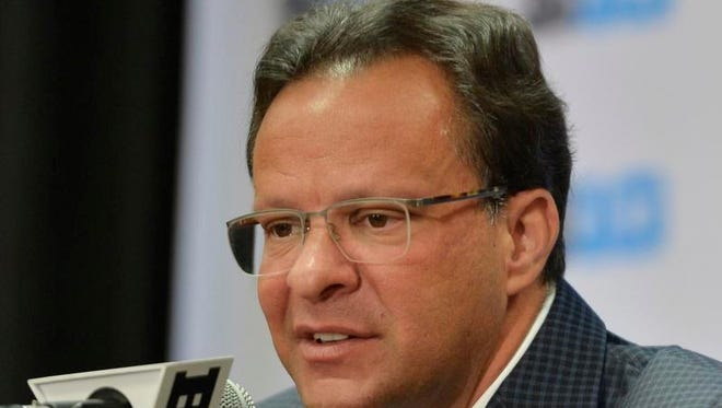 Indiana men's basketball head coach Tom Crean speaks at the NCAA college Big Ten Media Day in Chicago, Thursday, Oct. 15, 2015.