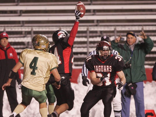 Jackson Memorial's Joe Reggio celebrates his game-winning touchdown pass against Brick Memorial inthe 2005 Central Group IV final at Rutgers.