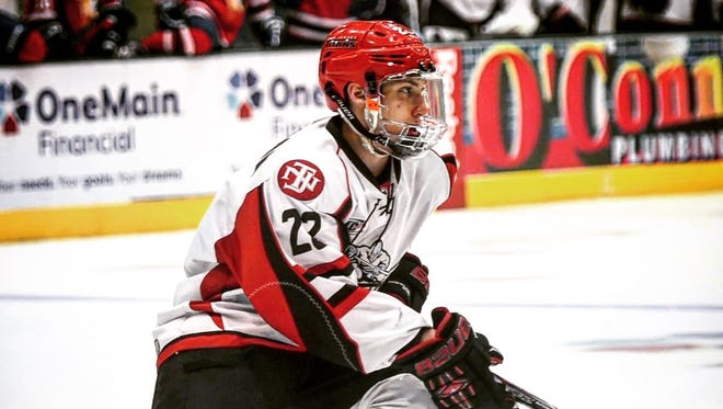 Garrett Hallford, a forward from McKinney, Texas, was unveiled as a member of the 2016-17 Shreveport Mudbugs NAHL squad.