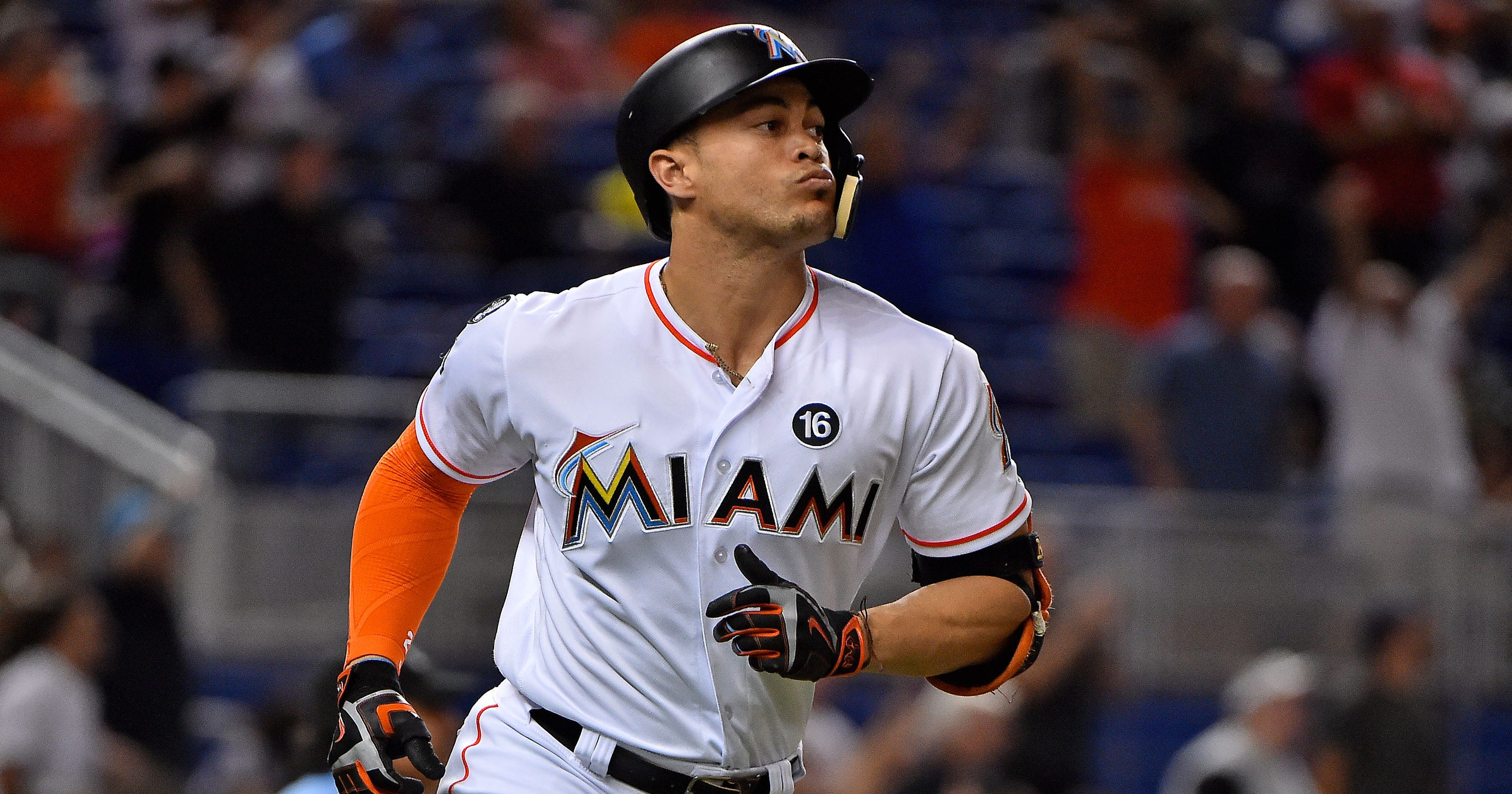finest selection b1e06 f7ffe Giancarlo Stanton: NL MVP narrost trade list two four teams