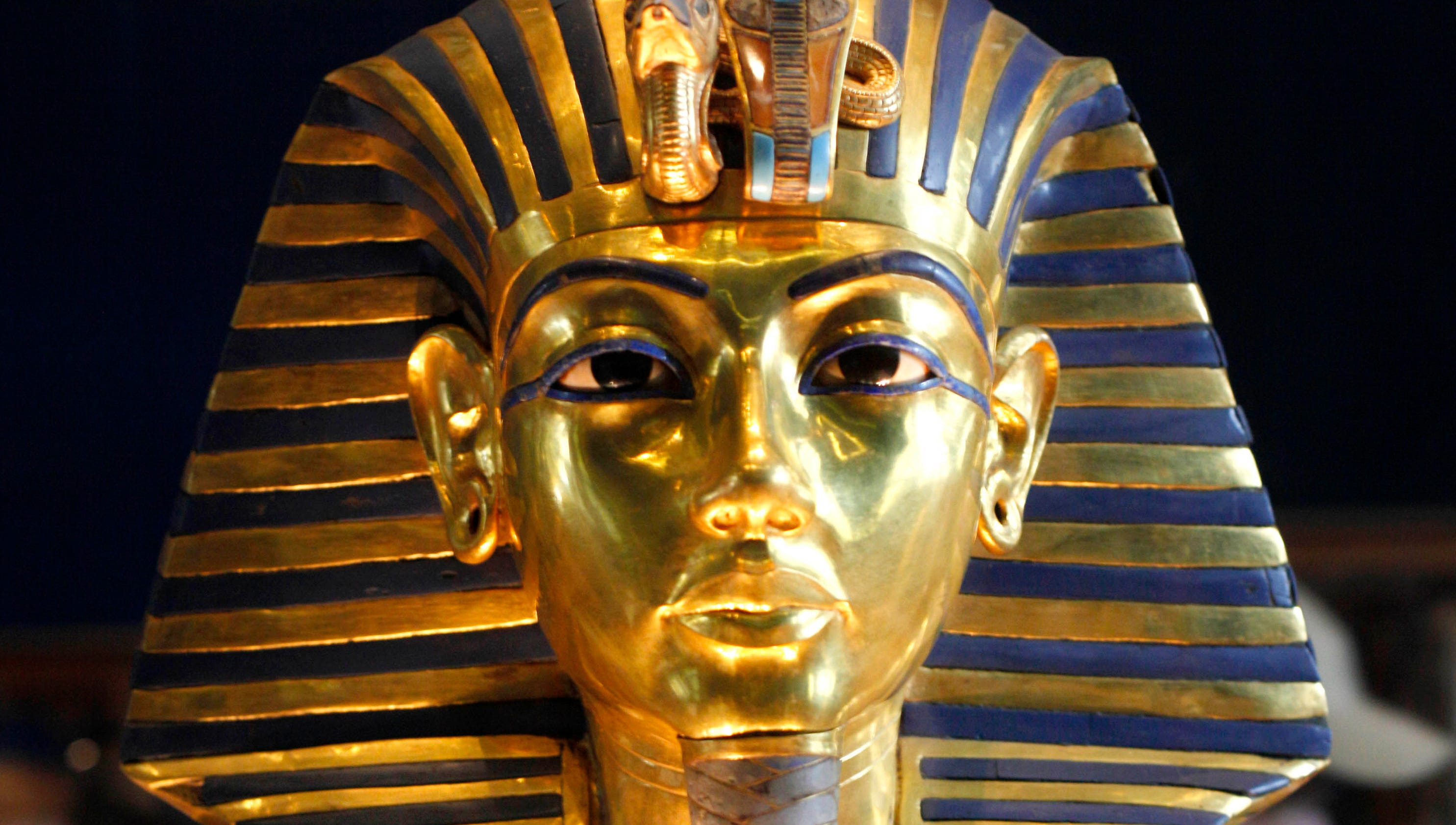 King Tut 'spontaneously combusted' in coffin
