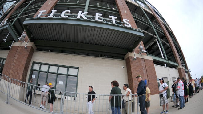 People line up to get tickets at Lambeau Field