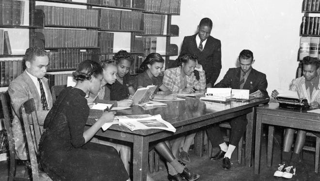 Students in the library of the original Lincoln High School in the 1940's.
