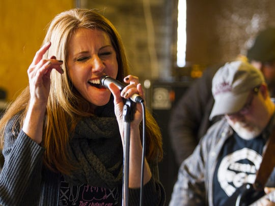 Laura Moss sings during final rehearsals for 2015's