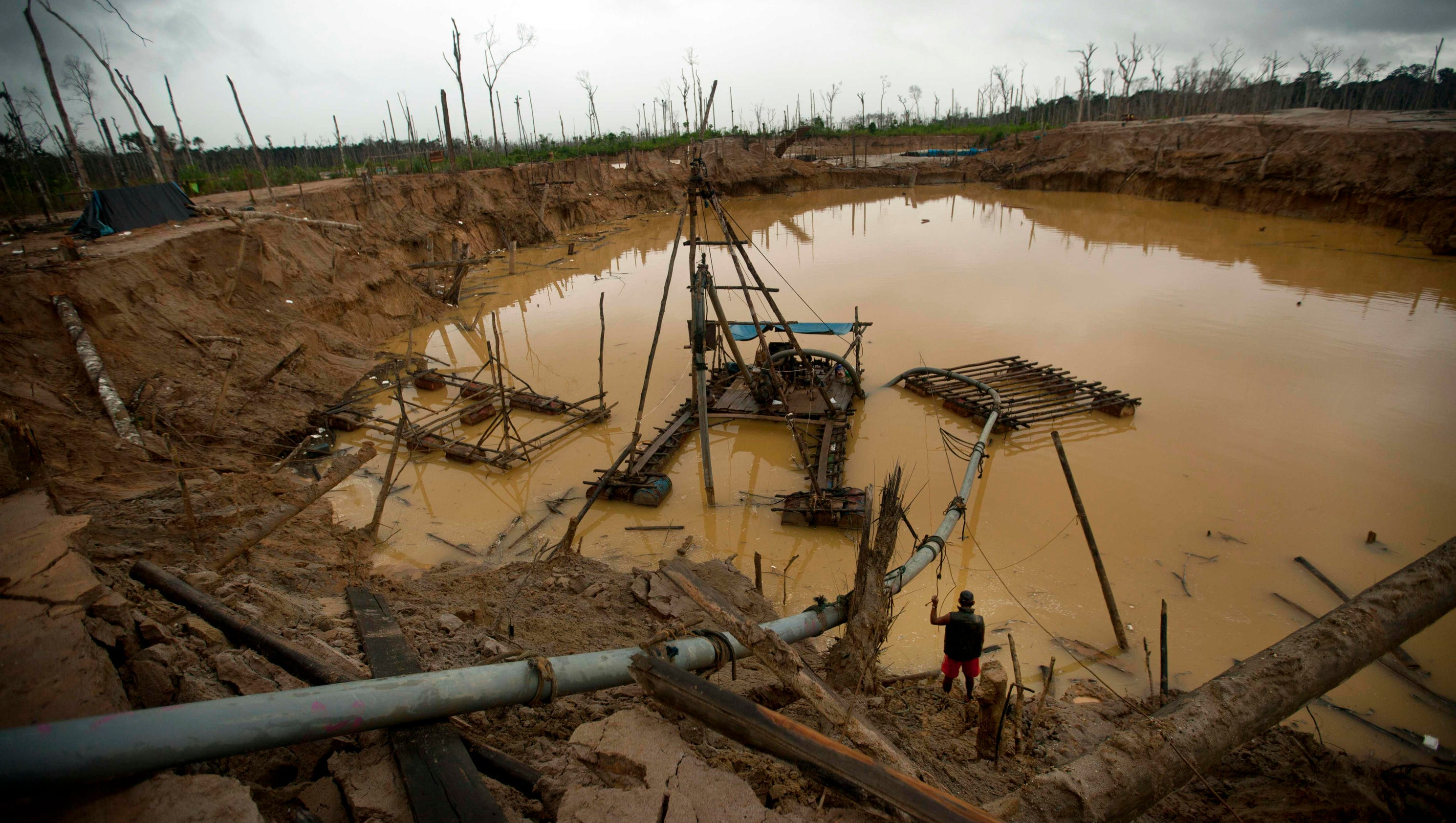 Peru S Illegal Gold Mines Are Devastating The Amazon Rain Forest