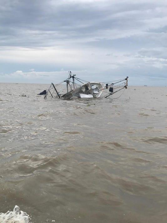 636341634337295433-sunken-shrimp-vessel.jpg