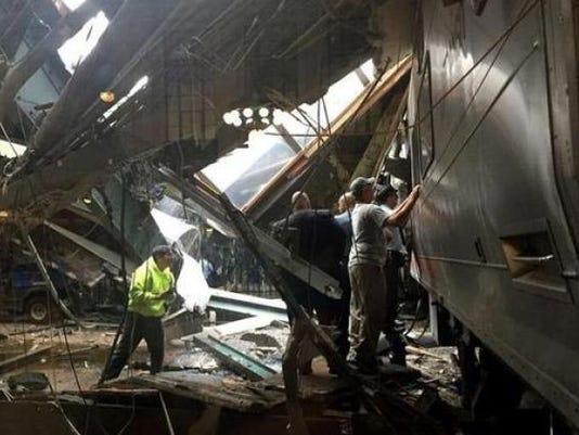 636107405423684025-hoboken-crash.jpg