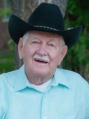 Surrounded by loved ones, Everett Eugene (Gene) Harris, 79, of Fort Collins, CO, passed away Sunday, February 15, 2015.