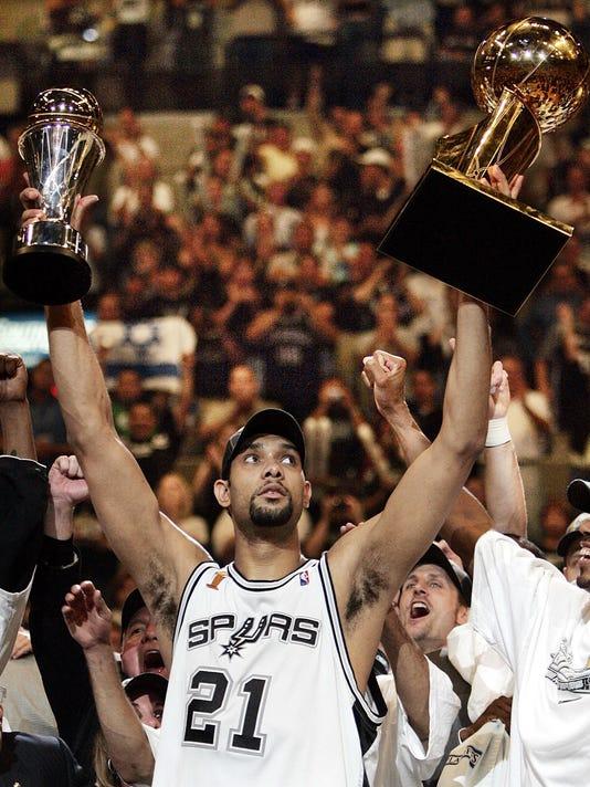 Spurs Duncan Retires _Vazq