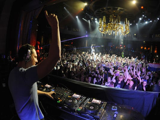 Culture, technology bind college students to EDM