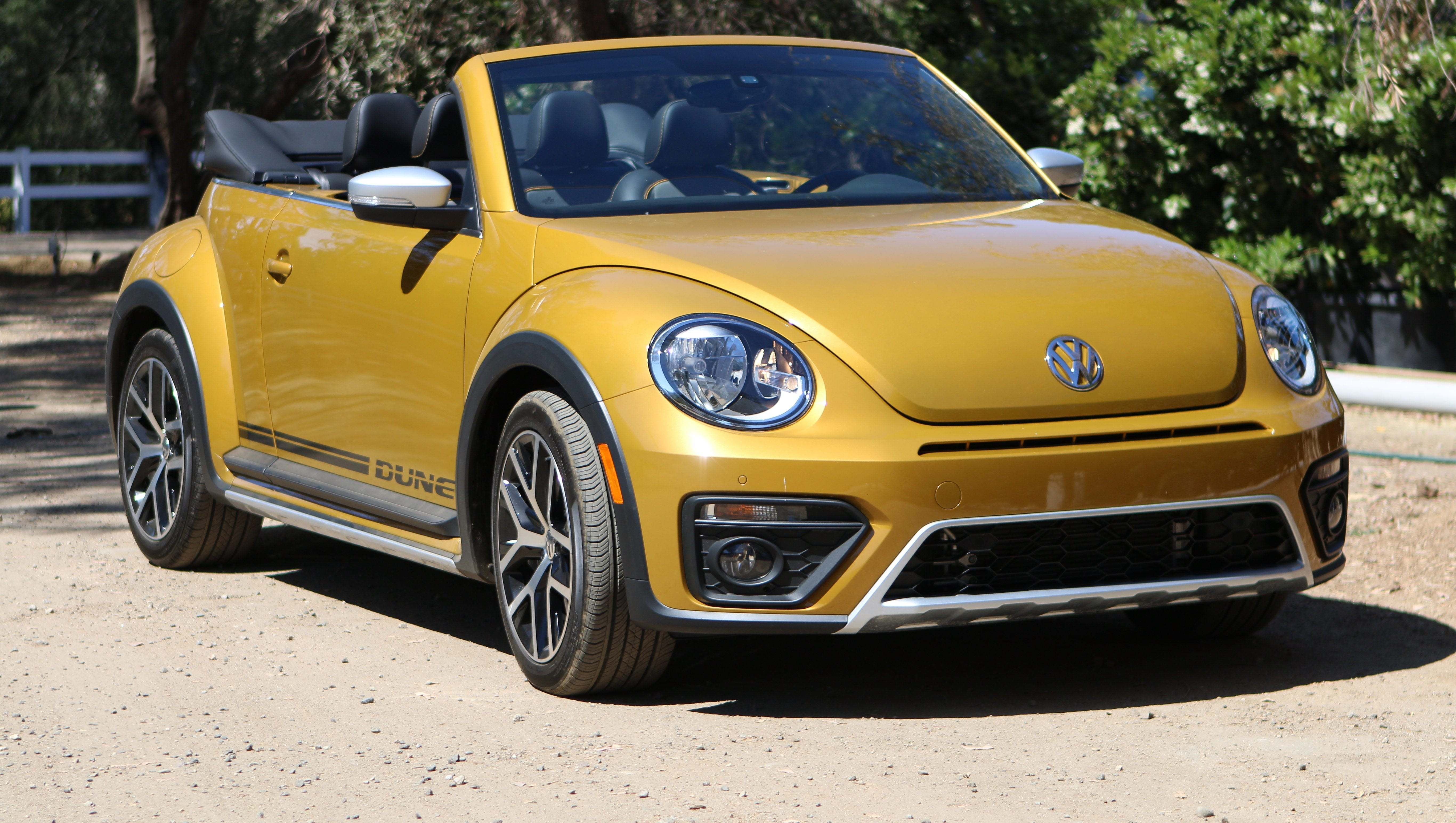 Review Vw S Beetle Dune Is More About Style Than Sand