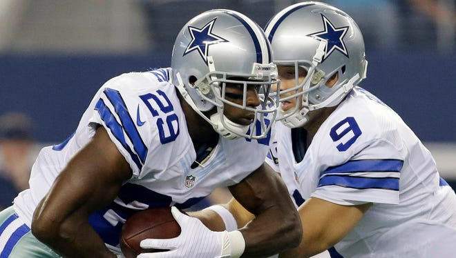 RB DeMarco Murray (29) and QB Tony Romo have Dallas off to a 3-1 start.