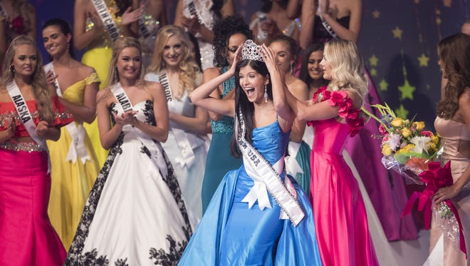 Sophia Dominguez-Heithoff is crowned 2017 Miss Teen USA on Saturday, July 29, 2017 at the Phoenix Symphony Hall in Phoenix, Ariz.