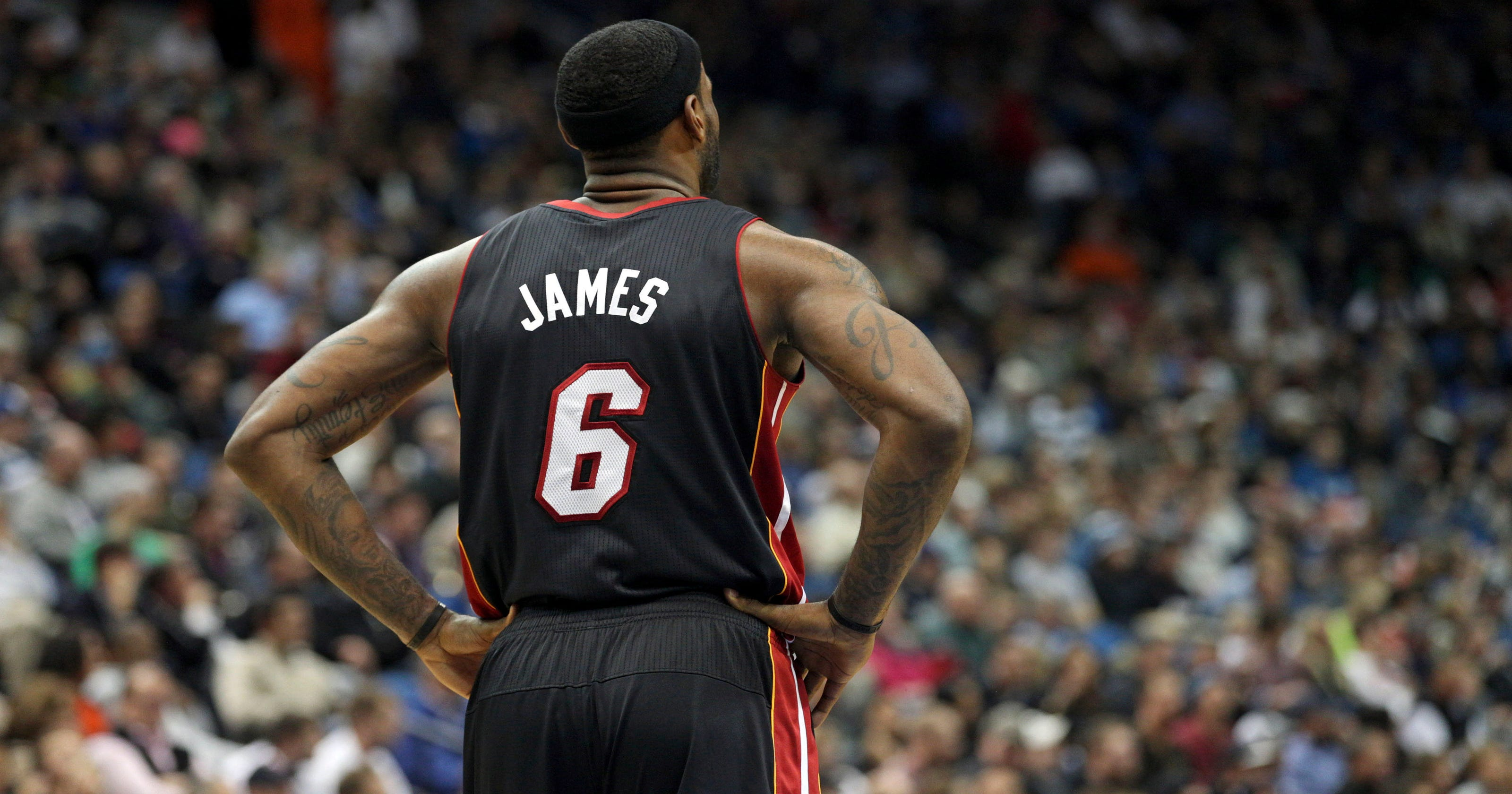 c1e0e8d6a01 LeBron James leads NBA jersey sales; Kobe Bryant next