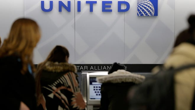 United Airlines is under fire on Twitter after denying girls in leggings entry on a flight.