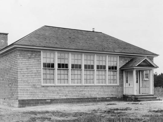The Blackwater Color School pictured in 1922 is the DuPont school that replaced the older, one-room structure.