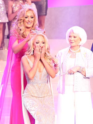 Former Miss Tennessee Grace Burgess crowns Miss Tennessee 2017 Caty Davis June 24, 2017 at the Carl Perkins Civic Center.