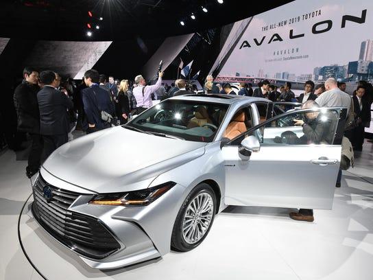 Toyota-Avalon-2