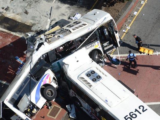 nj-bus-crash-081916-2a