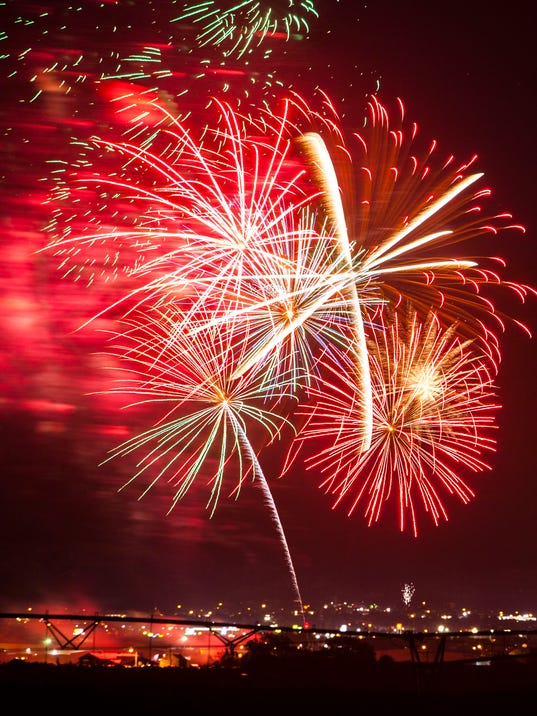CC-0704-Cedar-Fireworks-5.jpg