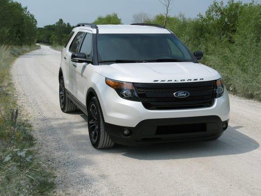 2014 Ford Explorer Sport SUV.jpg