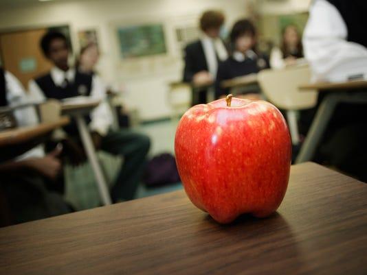 teachers apple.jpg