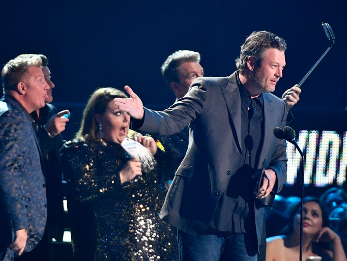 Blake Shelton accepts the Male Video of the Year award